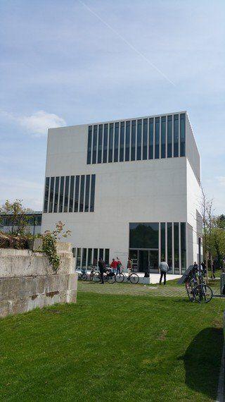 「ナチスの過去」の館、オープン