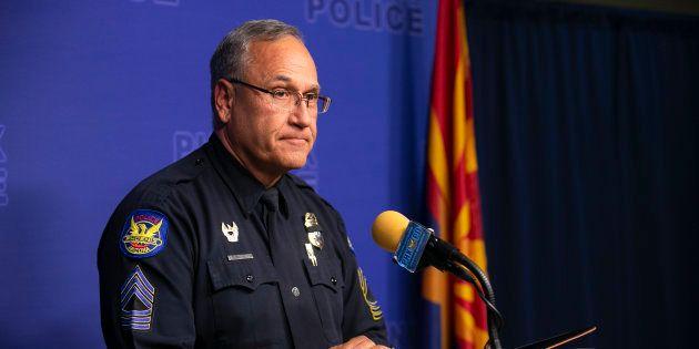 フェニックス警察の広報は、フェニックスのダウンタウンにあるフェニックス警察署本部での記者会見で、ハシエンダヘルスケアで植物状態の女性が出産した事件について進捗を発表した=2019年1月9日、アメリカ・アリゾナ州フェニックス