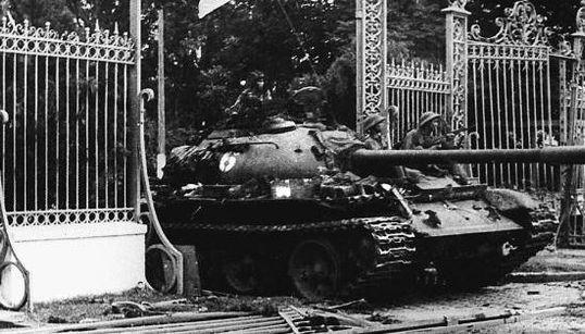 ベトナム戦争終結から40年 サイゴン陥落の歴史的な写真