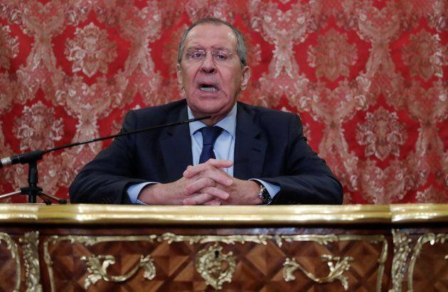 記者会見するラブロフ外相=1月14日、モスクワ