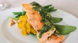 オーストラリアの家庭料理をいただきます「自家製ペストソースで食べる、タスマニアサーモン」
