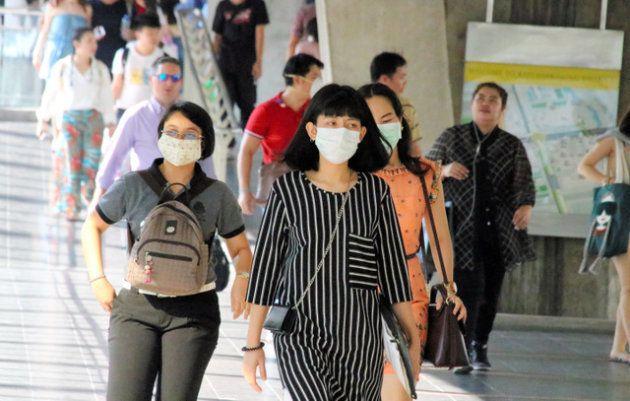 バンコクではマスクをした人の姿が目立つ=2019年1月17日、貝瀬秋彦撮影