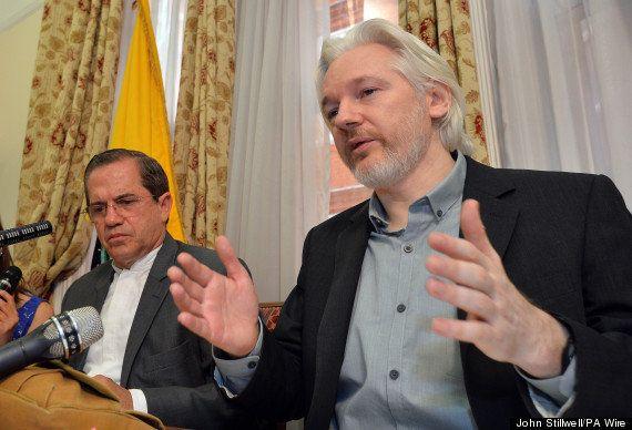 WikiLeaks創設者ジュリアン・アサンジ氏、亡命先のエクアドル大使館から「間もなく」出ることを表明