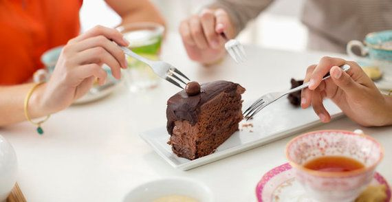 チョコレートを食べると脳の働きが良くなる(研究結果)