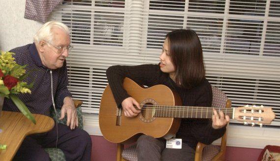 音楽療法は、音楽が直接患者さんを「癒す」の?