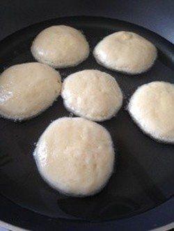【1cmの油で完成】「フライパン」でふっくらドーナツができた!