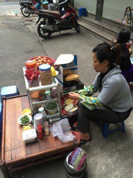 ベトナム縦断1800Kmの大移動を「ベトナム風サンドイッチ」で語る!