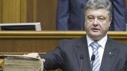 ウクライナ新大統領が就任、「クリミアはウクライナ領」