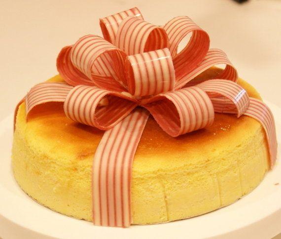 ケーキをまるごとラッピング!チョコで「リボン」が作れた!