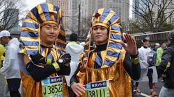 服装規定が新設された東京マラソン、工夫を凝らした仮装ランナーは健在