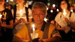 天安門事件27年、香港の追悼集会に学生団体が乱入 何があった?