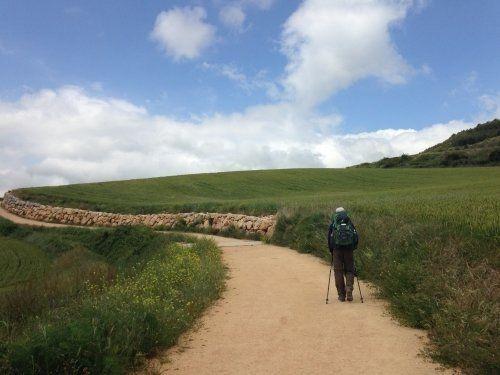 【スペイン・サンティアゴ巡礼】徒歩の旅に必須の秘密道具とは...?