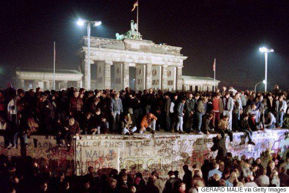 ベルリンの壁を「うっかり発言」で崩壊させたシャボフスキー氏が死去