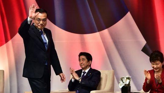 日中韓首脳会談、安倍首相の表情をとらえた一枚【画像】