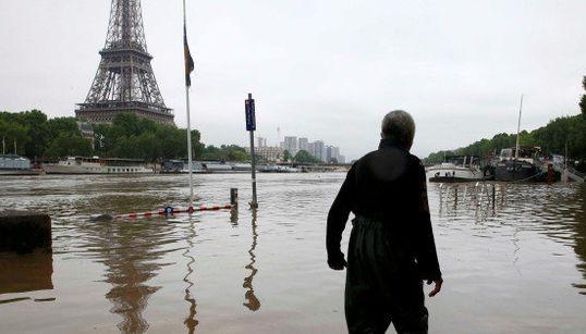 ドイツ、フランスの洪水被害で9人死亡 セーヌ川が氾濫、ルーブル美術館は閉鎖して作品を避難