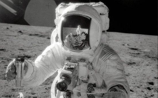 月の砂に含まれていたアミノ酸はどこから? NASAが出した結論は...