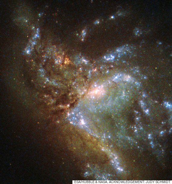 2つの銀河が融合する瞬間 息をのむ美しさ(画像)