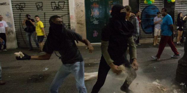 「ワールドカップはいらない」先鋭化するブラジルの抗議デモ、主催者たちの実態