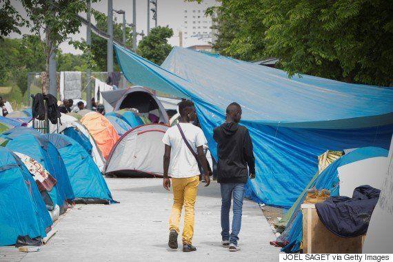 パリに難民キャンプが誕生へ「地中海で命を落とすのを見逃す訳にいかない」