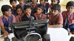 地球の反対側にいる先生から教わる子どもたち