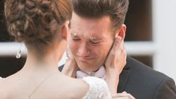 結婚式、新郎の胸がいっぱいになるとき――23枚の写真は教えてくれる