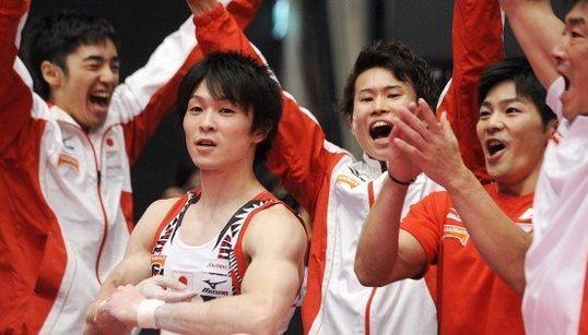 日本男子、37年ぶり団体金メダル 体操世界選手権【画像集】