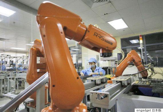 鴻海、中国・江蘇省の工場で6万人の労働者をロボットに置換。人間は高度な作業に割り当てる意向