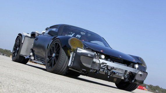 ポルシェが新型スーパーカーを開発中?