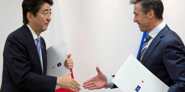 安倍首相、NATOとの新連携協定に調印