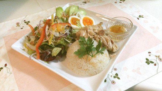 【超簡単&超美味!】炊飯器で作る「鶏まるごとご飯」に大注目☆
