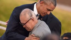 オバマ大統領、被爆者と抱き合う