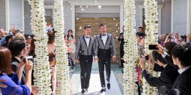 男性2人が東京・青山で「自分たちらしい」ウェディング 進化する同性カップルの結婚式