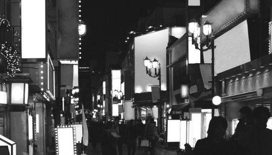 東京の街にあふれる広告を一掃してみた(比較画像)