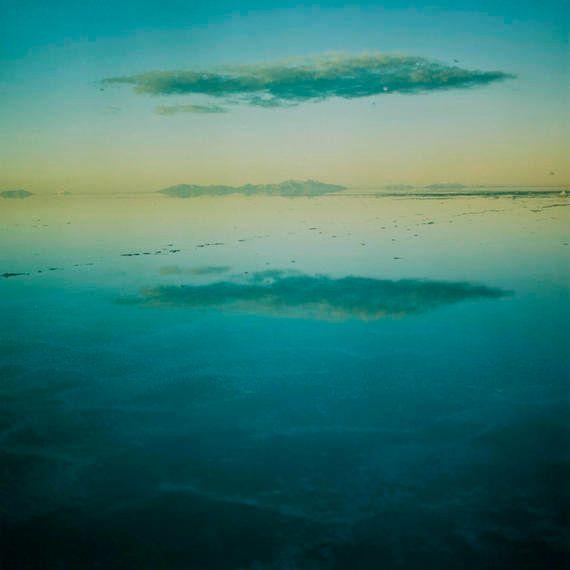 すきとおった世界に息を呑む。静かでやさしい地球を捉えた写真