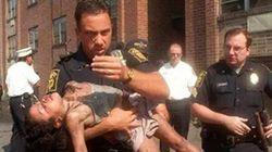 5歳の少女を火事から救った警官。18年の月日が流れ、成長した彼女の卒業を見届けた