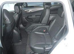 ホンダ、6人乗りの新型ハイブリッド車「ジェイド」を発表