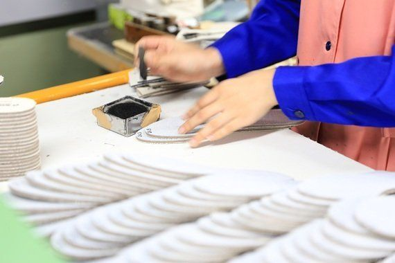 国産靴シェア、わずか8.5%でも躍動する久留米のスニーカー工場