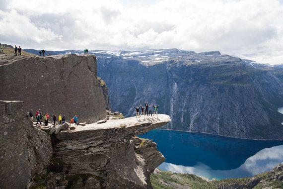 ノルウェーの断崖絶壁「トロルの舌」に登ってみた。現地レポート