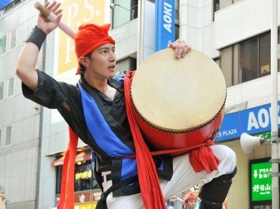 東京・新宿が沖縄一色に染まる、アツイ一日!「2014新宿エイサーまつり」