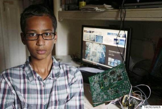 時計を作って逮捕されたアメリカの少年、カタールに移住へ