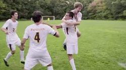 片足で生まれたサッカー選手が決めた、素晴らしいゴール【動画】