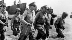 レイテ島の戦いから71年 マッカーサー大将が上陸した日「私は帰ってきた」(画像集)