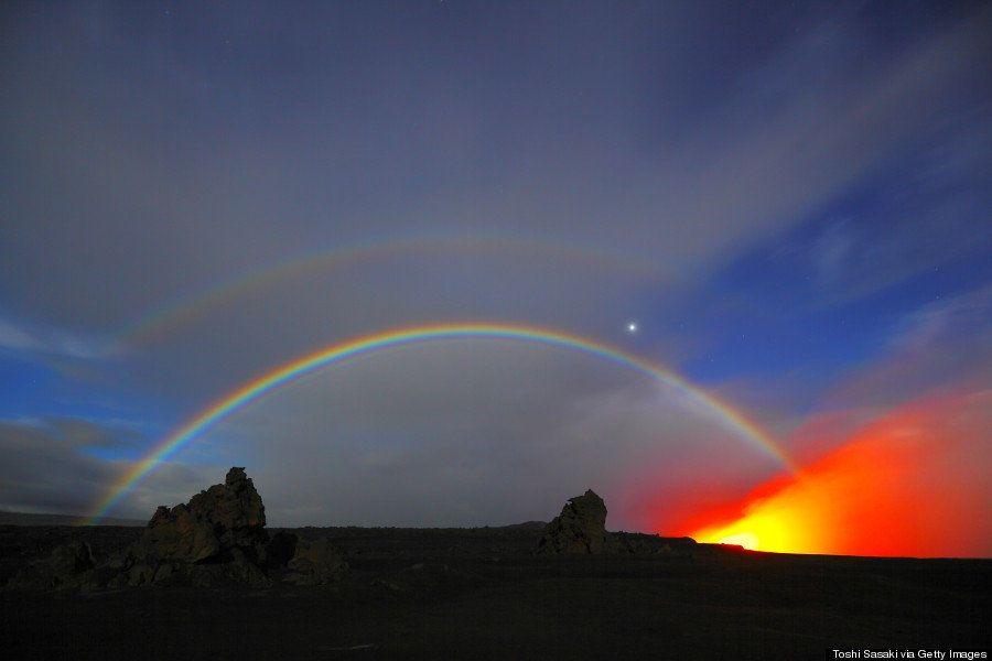 月虹。それは月の光で作られる虹。見られるのは幸運に恵まれたときだけ(画像)