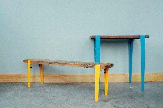 オシャレなテーブルは板さえあればOK。脚は