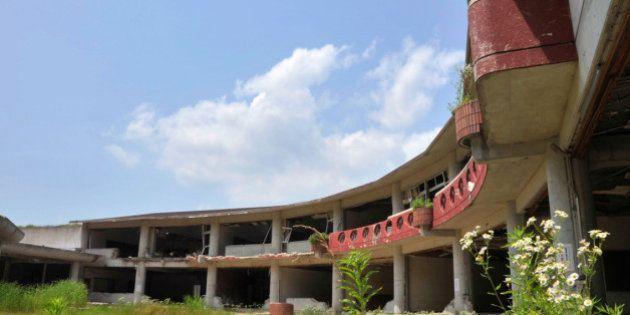 子どもたちがいなくなった校舎は、スズメたちの住処になっているのか、たくさんのさえずりが聞こえた(2012年7月10日)