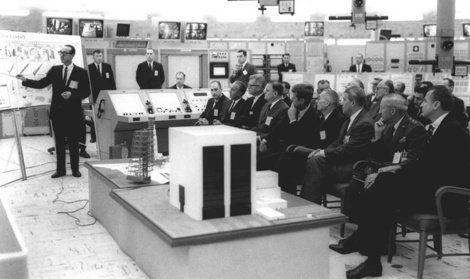 アポロ計画の立役者でスペースシャトルの父、ジョージ・ミューラー氏死去、97歳