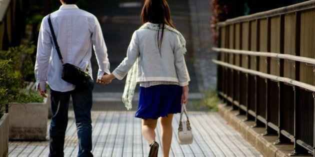 「出会いの場所ない」55%、恋人いない未婚者の不安は?【少子化社会対策白書】