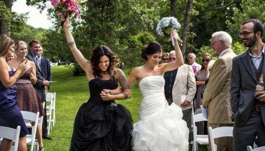 みんな幸せな気持ちになる。世界の同性結婚式(画像集)