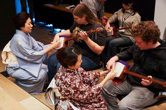 伝統文化・芸能体験レポート(2)弾く、着る、踊る、満足度100%の日本文化体験