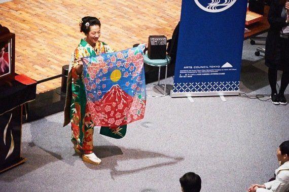 伝統文化・芸能体験レポート(1)「和妻」ってなあに?―美と技巧のマジカルワールド